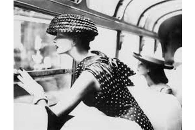 Giochi di camera oscura by Lillian Bassman 15ott18 2