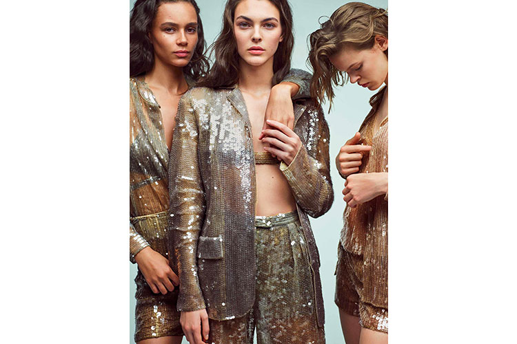 Iconic and impactful collection by Alberta Ferretti 05 01 18 2